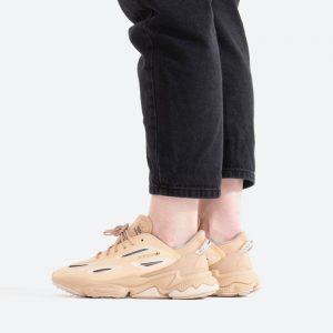 נעלי סניקרס אדידס לנשים Adidas Originals Ozweego Celox - בז'