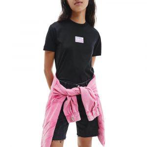 חולצת T קלווין קליין לנשים Calvin Klein Shine Badge Tee - שחור