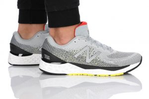 נעלי ריצה ניו באלאנס לגברים New Balance M880 - אפור בהיר