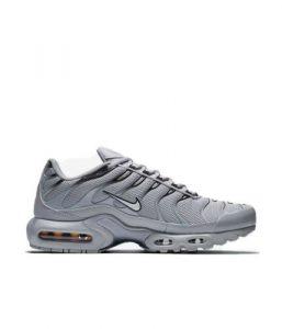 נעלי סניקרס נייק לגברים Nike AIR MAX PLUS - אפור