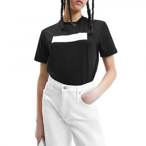 חולצת T קלווין קליין לנשים Calvin Klein Embossed Logo - שחור