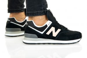 נעלי סניקרס ניו באלאנס לנשים New Balance WL574 - שחור/לבן