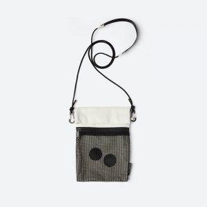 תיק פינג-פונג לגברים Pinqponq Flak Medium Shoulderbag - לבן/שחור